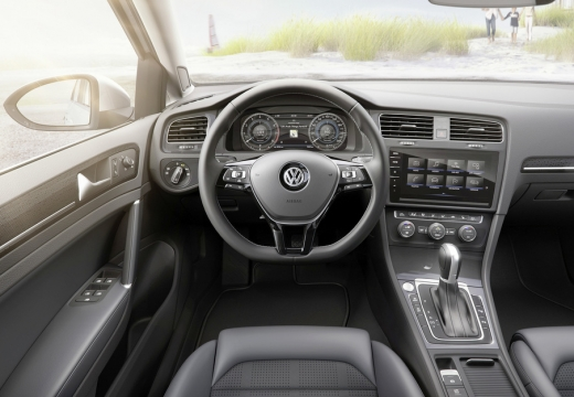 VW Golf Variant 1.0 TSI BlueMotion Technology (seit 2016) Armaturenbrett
