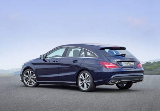 Mercedes-Benz CLA Shooting Brake 180 (seit 2016) Heck + links