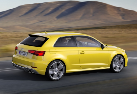 Audi A3 1.0 TFSI (seit 2016) Heck + rechts