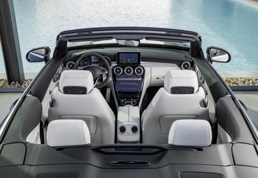Mercedes-Benz C 180 Cabrio (seit 2016) Armaturenbrett