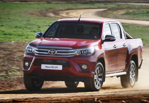 Toyota HiLux 4x4 Double Cab (seit 2016) Front + links
