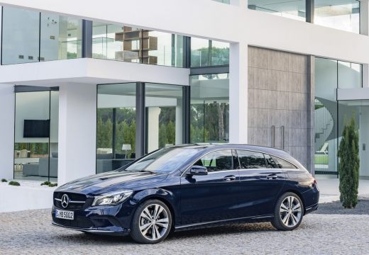 Mercedes-Benz CLA Shooting Brake 180 (seit 2016) Front + links
