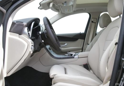 Mercedes-Benz GLC 250 4Matic 9G-TRONIC (seit 2015) Innenraum