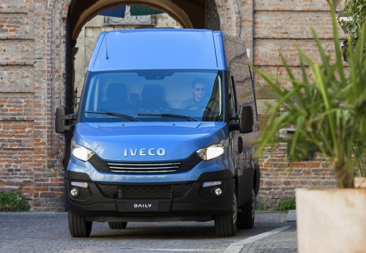 Iveco 33 S 14 V (seit 2016) Front