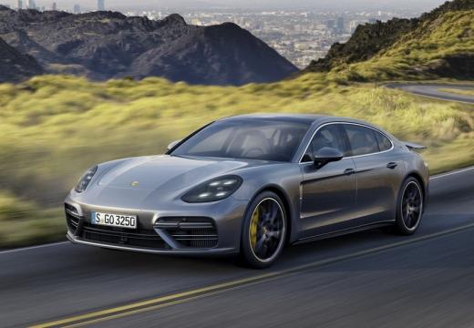 Porsche Panamera 4 (seit 2016) Front + links