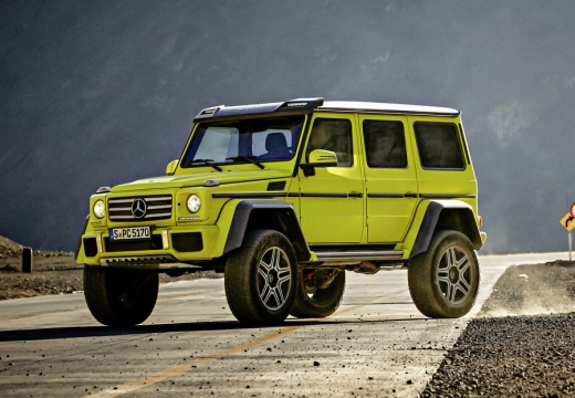 Mercedes-Benz G 500 7G-TRONIC (seit 2015) Front + links