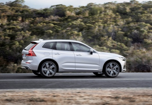 Volvo XC60 T5 AWD Geartronic (seit 2017) Seite rechts