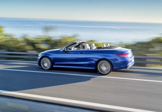 Mercedes-Benz C 180 Cabrio (seit 2016) Heck + links